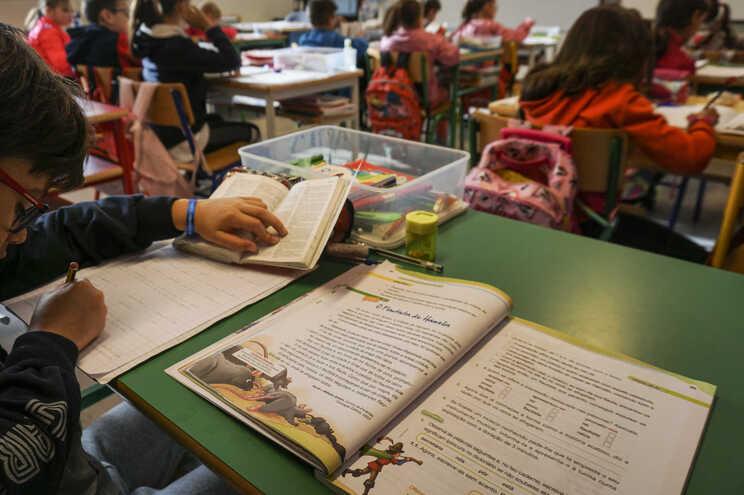 Atrasos dos manuais escolares no regresso às aulas
