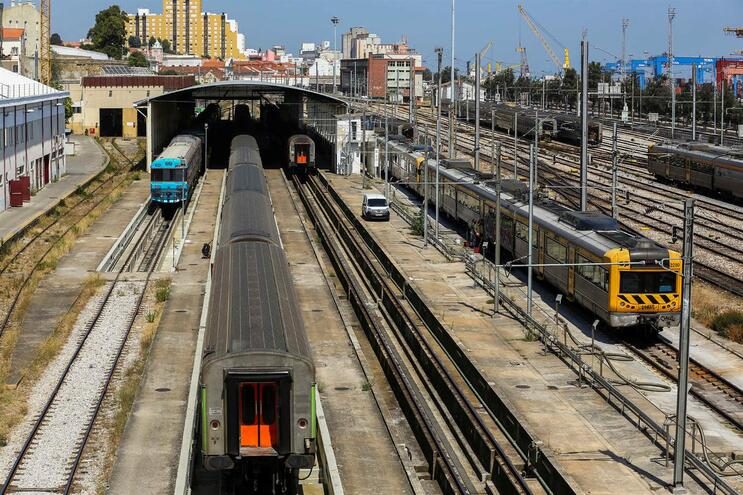 Bruxelas abre processo de infração a Portugal sobre segurança ferroviária