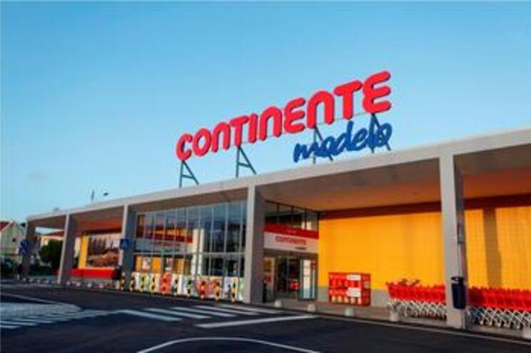 Sonae vende 24,99% da empresa dona do Continente por 528 milhões de euros