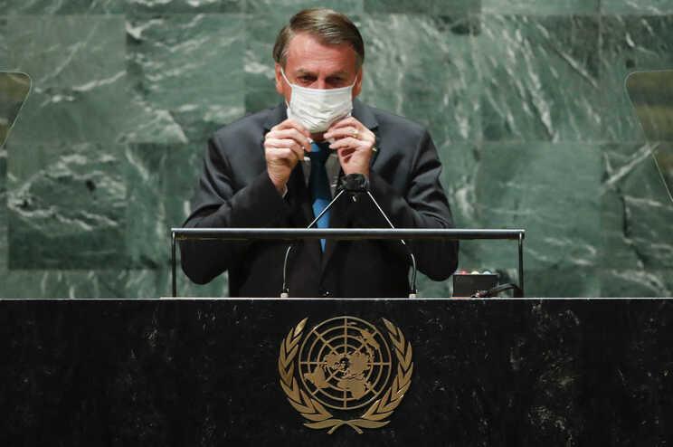 O Presidente do Brasil está assintomático
