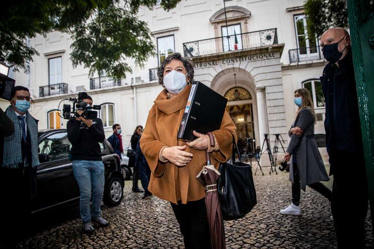 """Ana Gomes entregou """"mais de 8300 assinaturas"""""""