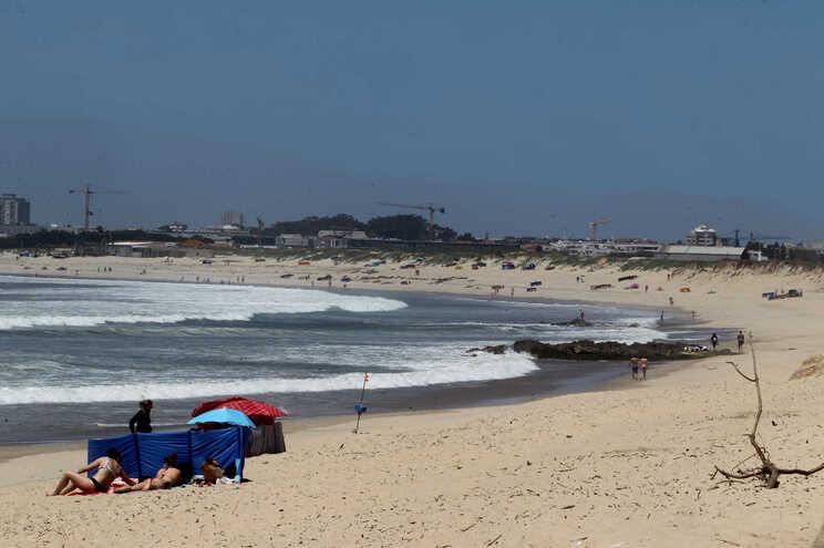 Alerta amarelo devido a tempo quente para Aveiro, Braga, Braga e Porto