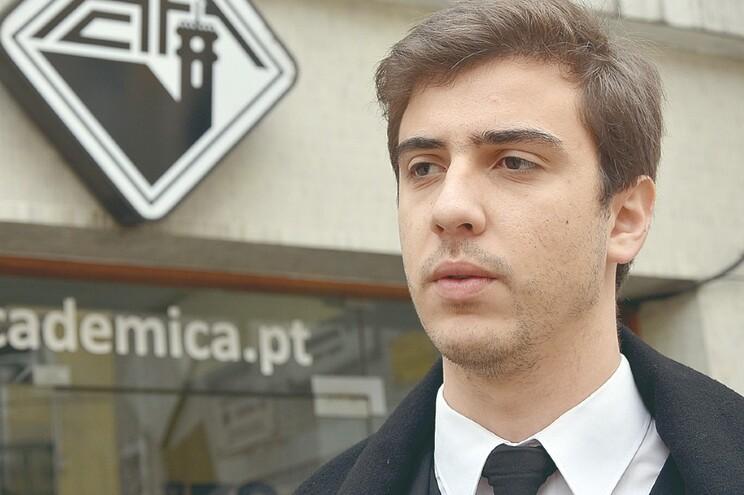 Estudantes de Coimbra angariam seis mil euros para hospitais de Coimbra