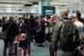 Indignação de centenas de passageiros em caos no aeroporto do Porto