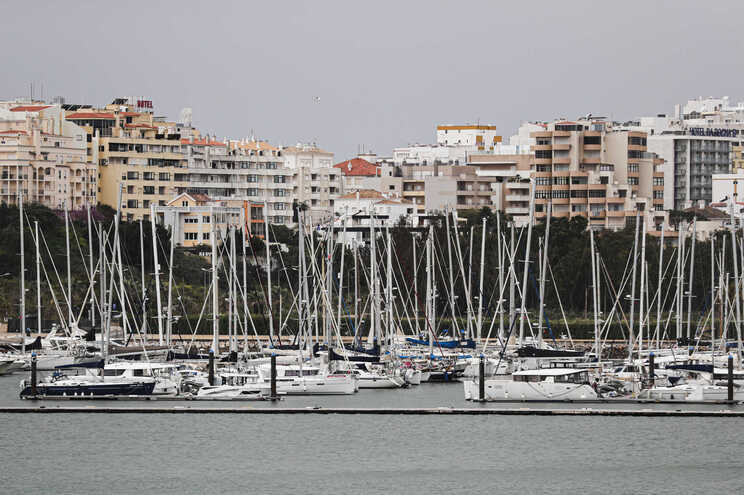 Alemanha coloca Algarve e Açores na lista de risco