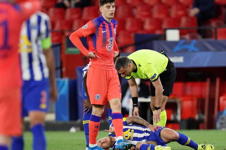 O F. C. Porto perdeu com o Chelsea esta quarta-feira