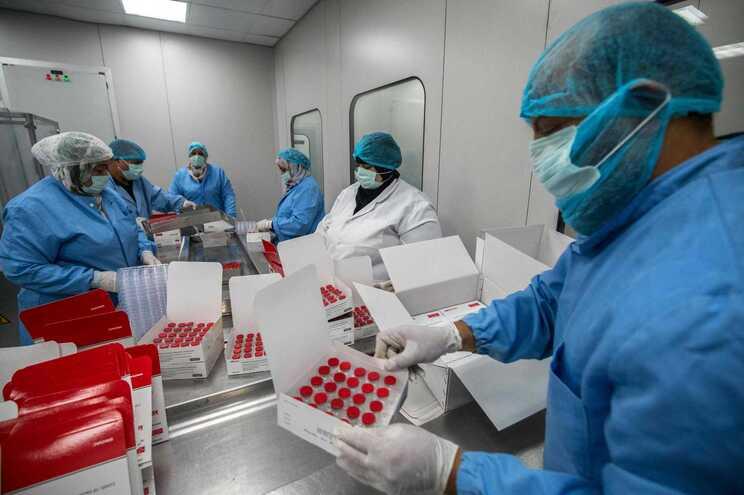 União Africana comprou 400 milhões de doses de vacinas