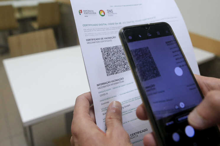 Em Portugal, é necessário apresentar o certificado digital para pernoitar em hotéis e outros alojamentos