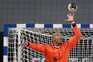 Quintana defende a baliza de andebol do F. C. Porto