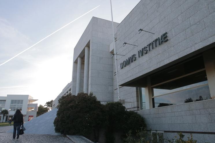 Tribunal de Cascais condenou os arguidos a quatro anos e seis meses de prisão pelo sequestro da filha