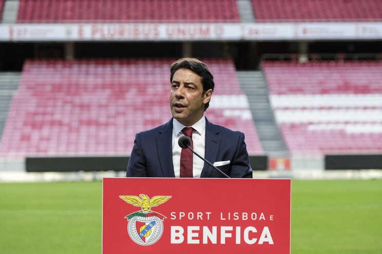 Antigo jogador admite legitimar a presidência do clube nas urnas