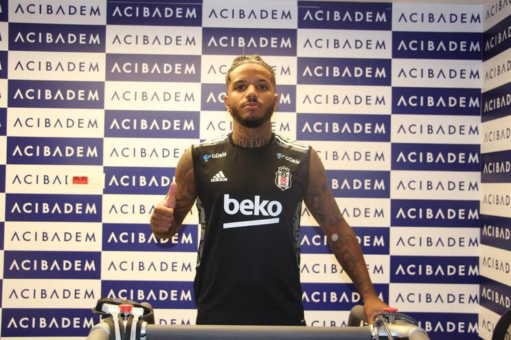 Valentin Rosier trocou o Sporting pelo Besiktas