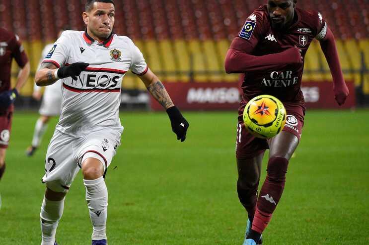 Rony Lopes marcou dois golos no triunfo do Nice em Nimes