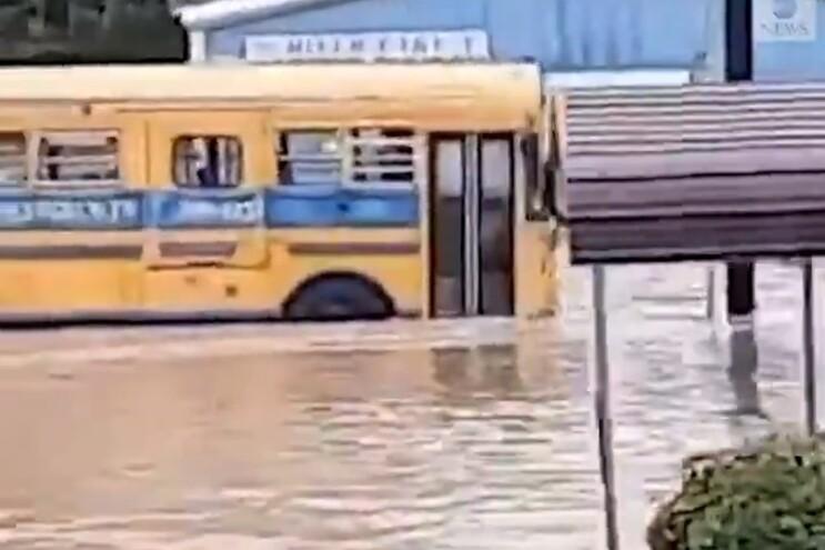 As inundações na região do Middle Tennessee causaram já 10 mortes e dezenas de pessoas estão desaparecidas