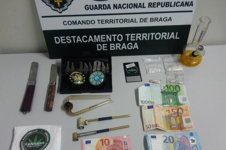 Dois detidos por tráfico de drogas duras em Braga