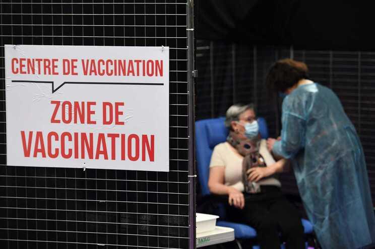 No total, a França já utilizou 70% das vacinas que recebeu