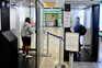 Cabines de cuidados sanitários no aeroporto de Nápoles