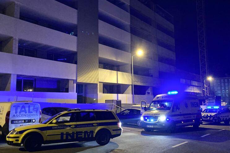 Trabalhador morre ao cair em fosso de elevador em Braga