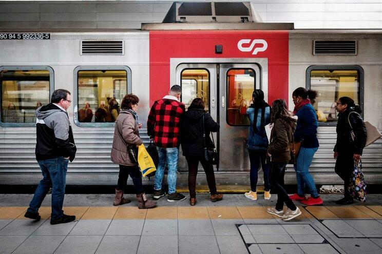 Marcelo promulga fusão entre Comboios de Portugal e EMEF