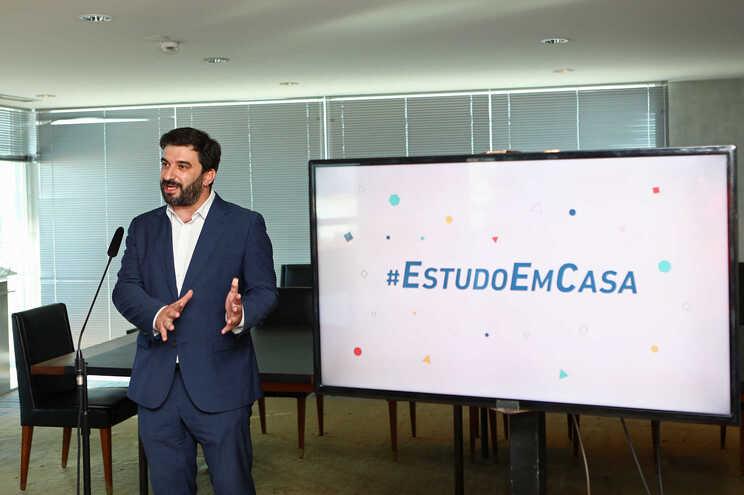 Tiago Brandão Rodrigues apresentou o regresso do #EstudoEmCasa