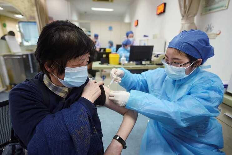 China quer vacinar 40% da população até junho