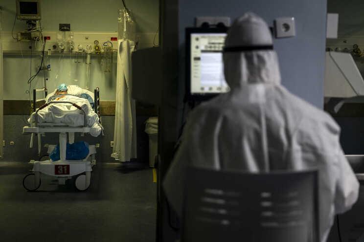 Cuidados intensivos têm 204 pacientes em estado crítico