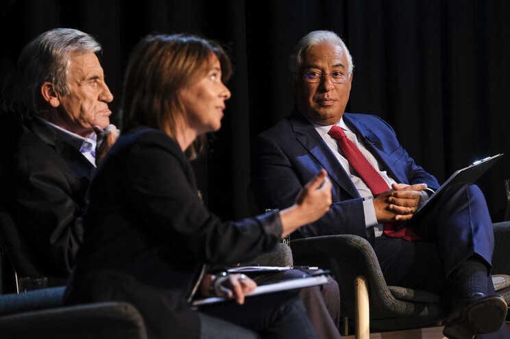 Catarina Martins, do BE, Jerónimo de Sousa, do PCP, e António Costa, do PS