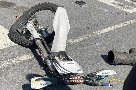 Moto colidiu com carrinha