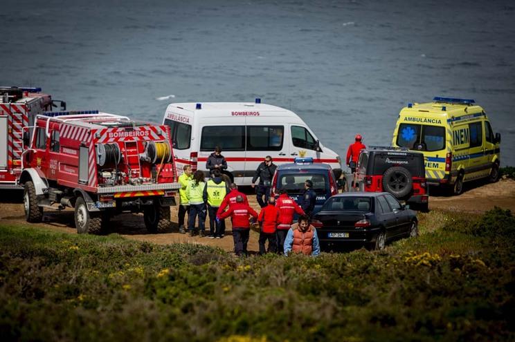 Praia da Ursa situa-se perto do Cabo da Roca e tem acesso difícil