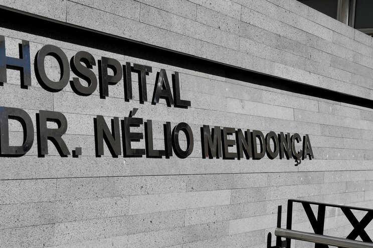 Os dois doentes recuperaram da covid-19