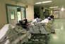 Hospitais estão com sobrecarga de doentes e a ficar sem espaço no internamento