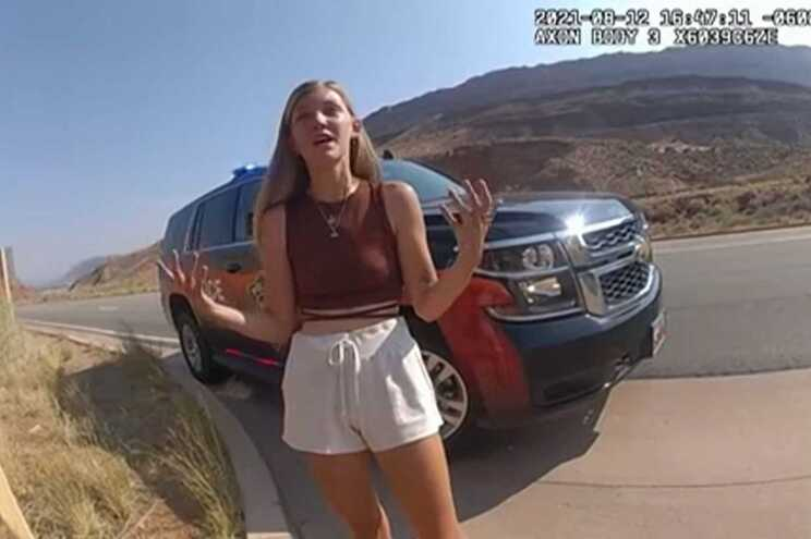 """Imagens da polícia feitas durante uma """"operação stop"""" de rotina captaram a jovem, em agosto"""