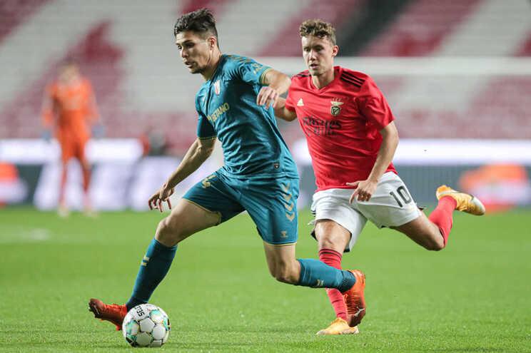 Francisco Moura marcou dois golos ao Benfica, na Luz