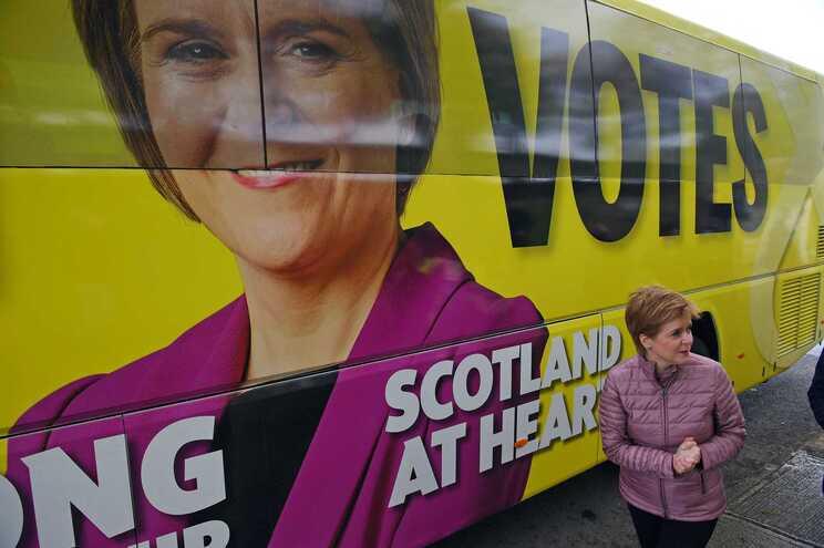 Partido Nacionalista Escocês, de Nicola Sturgeon, vai querer mandato para promover referendo à independência