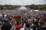 Nas mesmas ruas em que King marchou, milhares pedem o fim do racismo