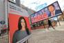 Cartazes colocados em locais movimentados  continuam a ser uma ferramenta de eleição para vários candidatos