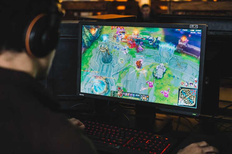 Estudo de Oxford levanta discussão sobre os benefícios ou os malefícios dos videojogos