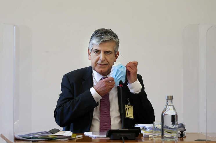 Máximo dos Santos é o presidente do Fundo de Resolução