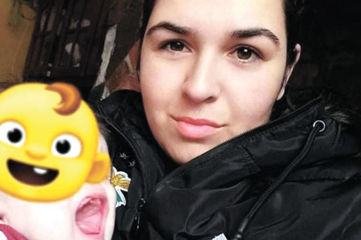Bebé Rodrigo (na foto, com a mãe) está quase a fazer um ano e sete meses