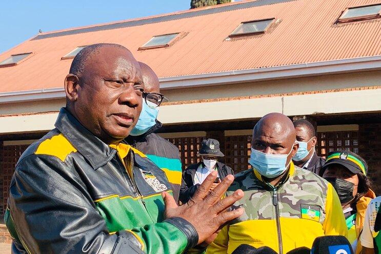 Jolidee Matongo, 46 anos, foi eleito presidente da câmara no passado dia 10 de agosto