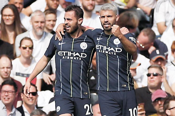 Bernardo Silva e Kun Aguero, dois dos principais craques do Manchester City, são dos jogadores estrangeiros