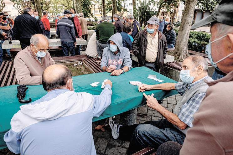 A atualização extraordinária de pensões de 2021 irá chegar em janeiro, em medida negociada com o PCP