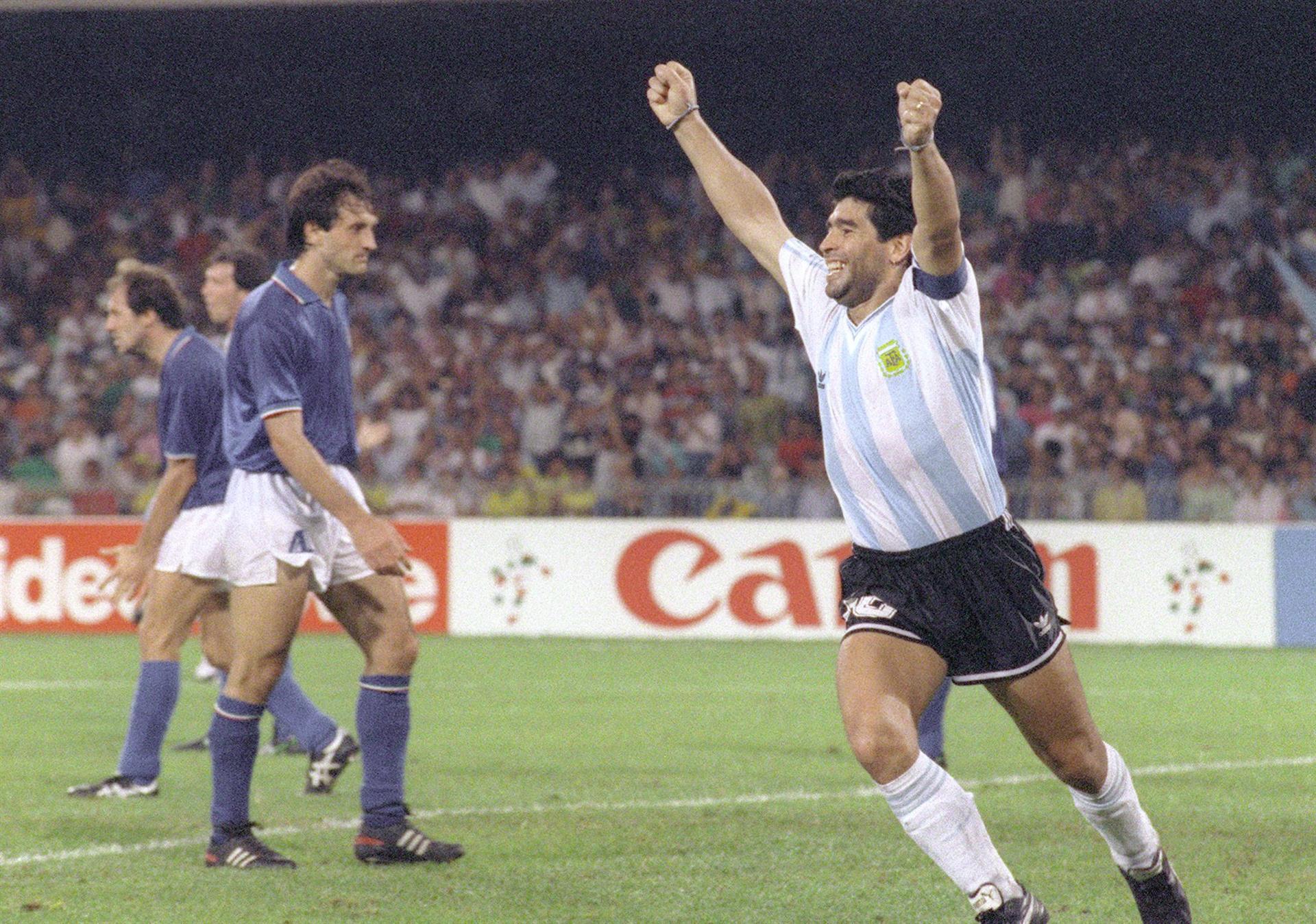 Morreu Maradona, lenda maior do futebol