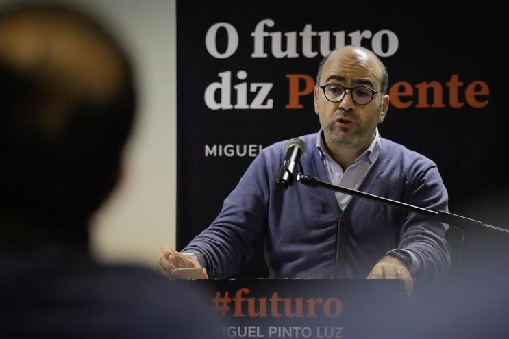 Pinto Luz defende que é a altura do país discutir a regionalização sem preconceitos