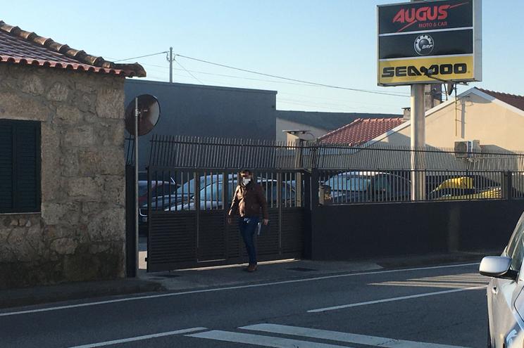 O stand de Augusto Fernandes foi um dos alvos das autoridades