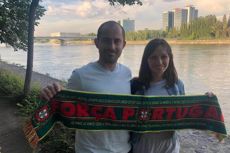 João e Renata vão assistir ao jogo, na próxima terça-feira, entre Portugal e Hungria