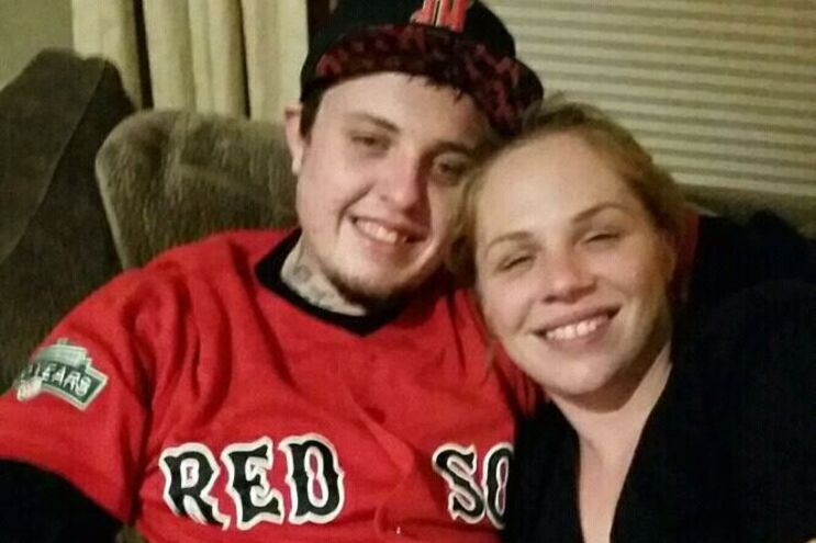 As vítimas: Austin Wenner, de 27 anos, e Jessica Lewis, de 35