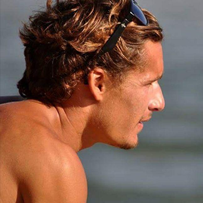 Sebastião Furtado, professor na escola de surf Onda Pura, em Matosinhos, ficou ferido. Deve ter alta