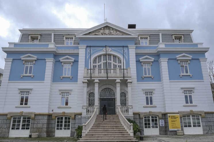 Os trabalhadores da empresa vidreira reuniram-se esta sexta-feira na Câmara Municipal de Loures