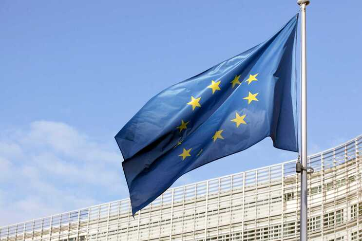 Bruxelas dá dois meses a Portugal para transpor diretiva anti-lavagem de dinheiro